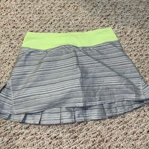 Lulu lemon skort